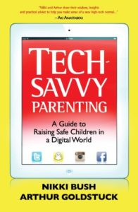 Tech-Savvy_Parenting