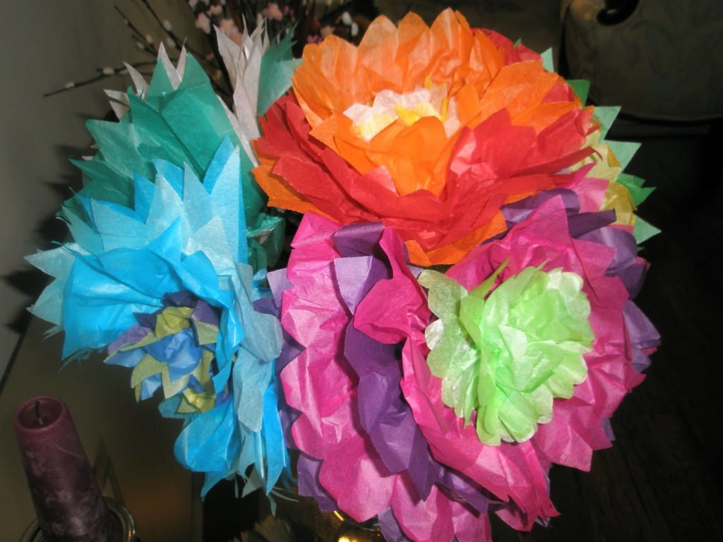 make flowers out of tissue paper How to make awesome paper flowers really easy, use them to decorate or to wear start with some crepe or tissue paper i'm using crepe cut off a piece, i chose about 7 inches.